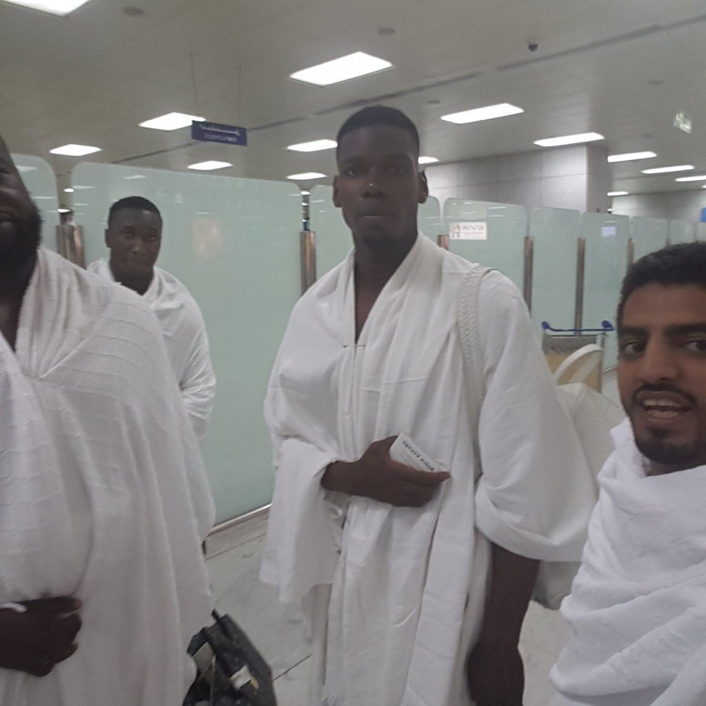 Paul Pogba at the holy Mosque #Makkah  may Allah accept from him and bless him  #Ramadan  #Pogba #Makkah #ummrah #mufc #islam is beautiful <br>http://pic.twitter.com/wa4qVXt39M
