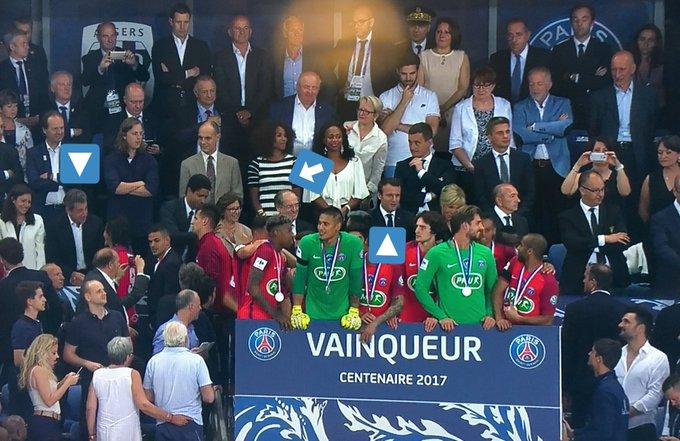 L'histoire ne dit pas encore si #Sarkozy et #Macron se sont parlés au stade. Ni ce que regarde/pense #Darmanin.   #SCOPSG #CoupedeFrance