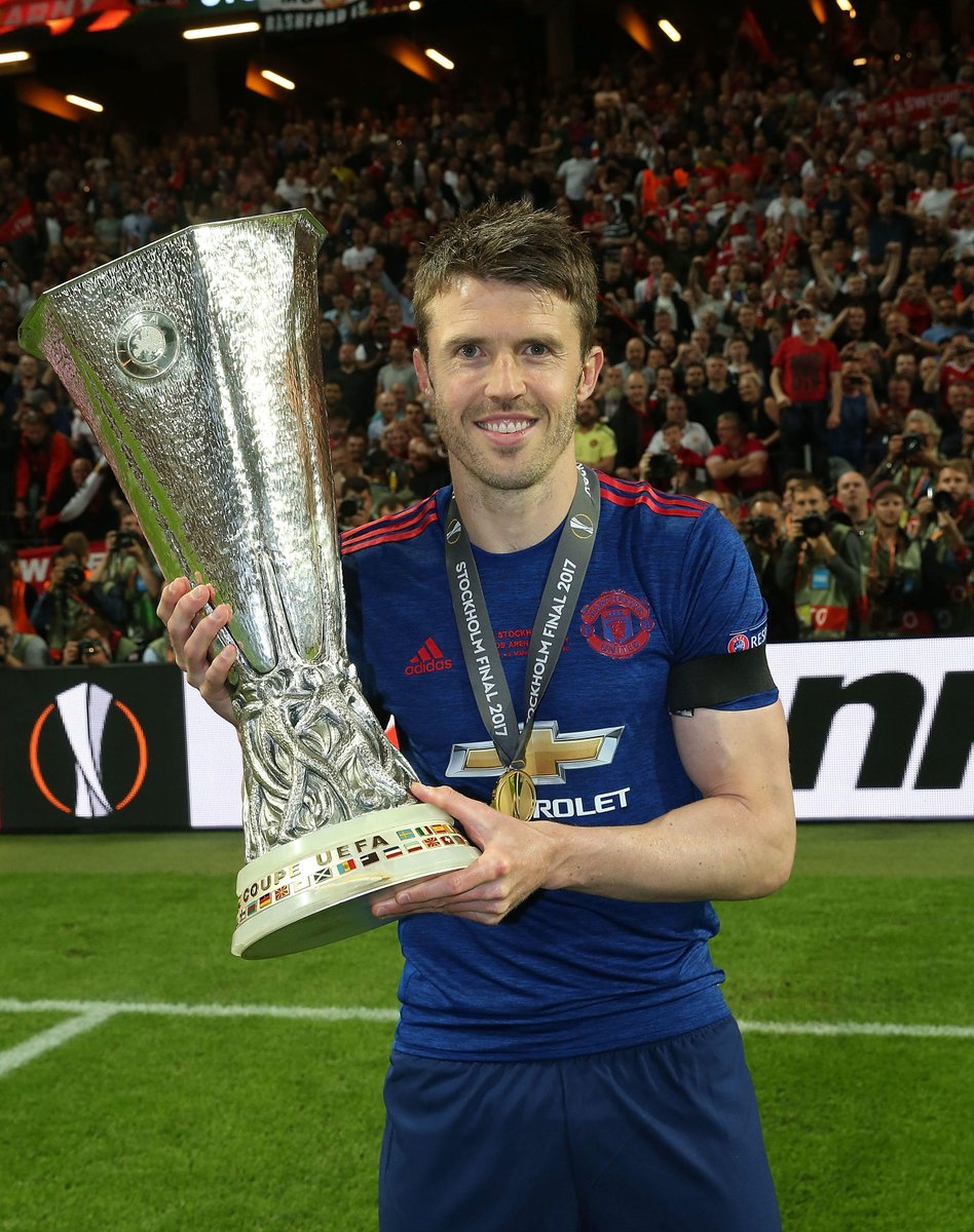 .@Carras16 has signed a new contract extension, keeping him at #MUFC u...
