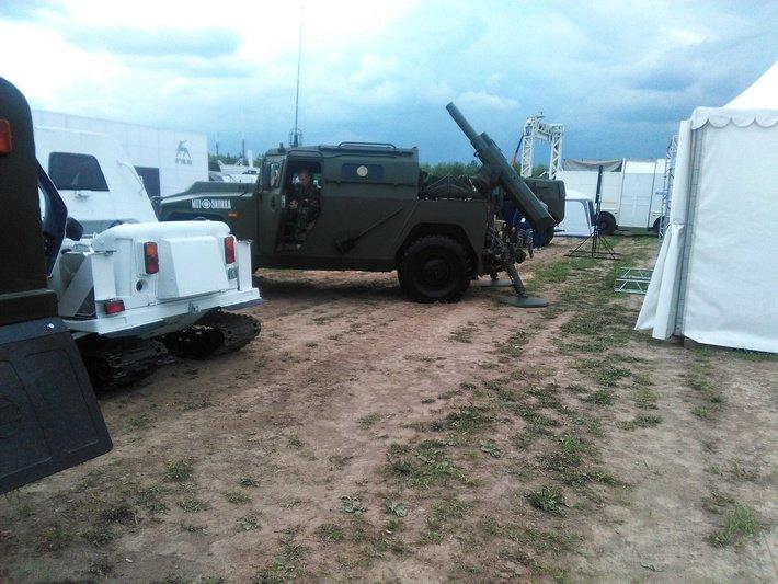 روسيا ستطور نسخه محوره من عربه Tiger المدرعه  DA3ZRqsXoAAlE8A