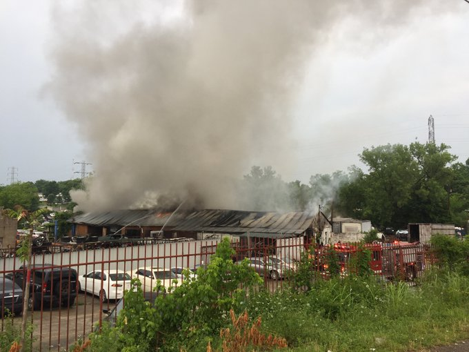 Hilltop Auto Salvage >> Commercial Right Now Commercial Fire At Hilltop Auto