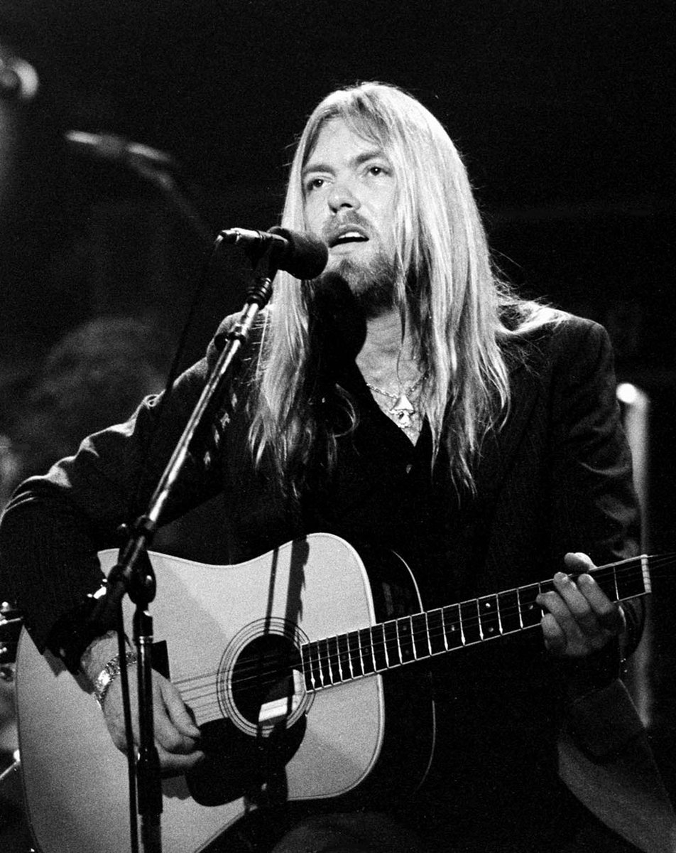test Twitter Media - Gregg Allman passed away And when it's time for leavin' I hope you'll understand That I was born a ramblin' man #RamblinMan #BreakingNews https://t.co/bZVYV0KDlD