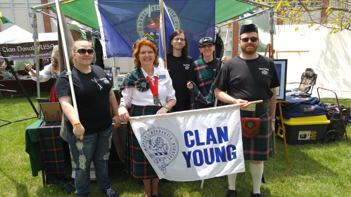 I was proud to be with Clan Young at Alma, MI Highland Festival &amp; Games #Alma #Scotland #USA<br>http://pic.twitter.com/9LwDn6iy6v