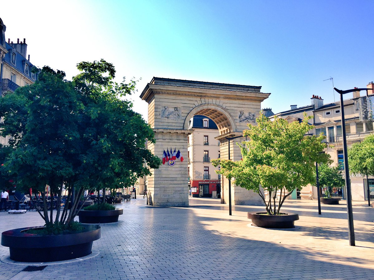 Good Morning #Dijon  <br>http://pic.twitter.com/XF4dPeAzbL