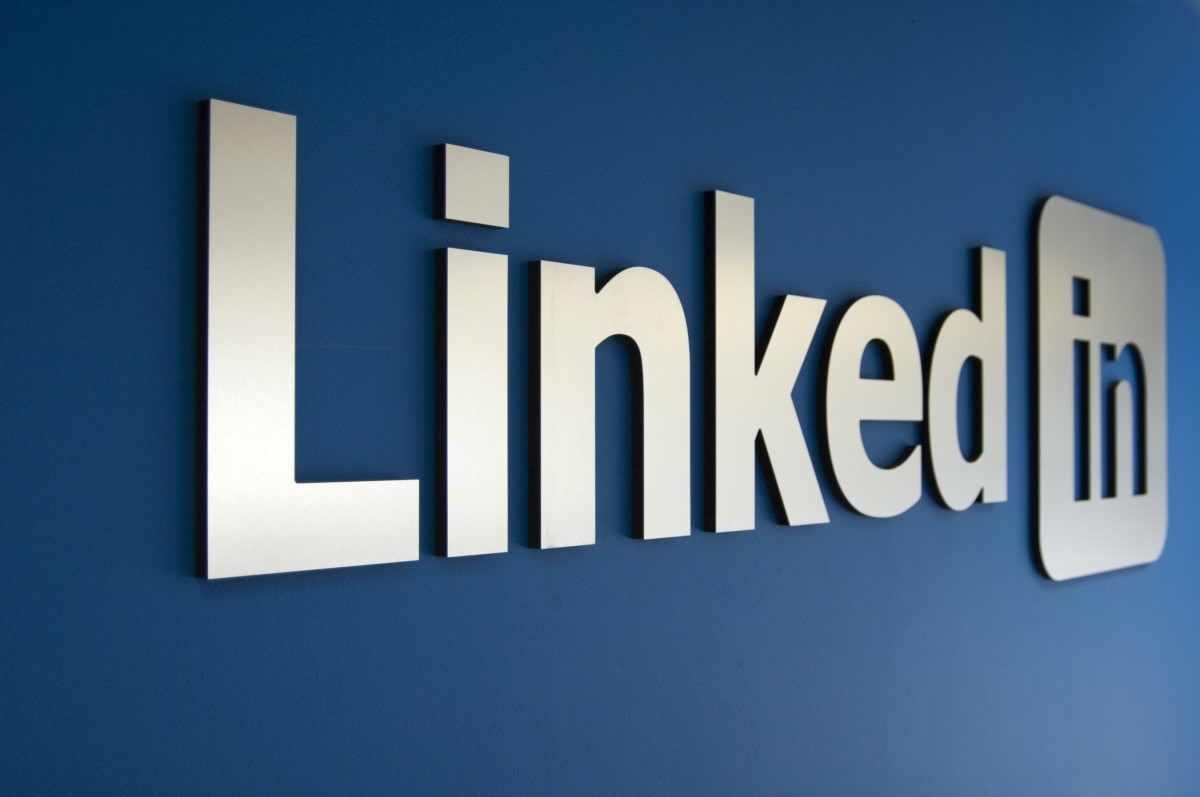Want high quality leads?#linkedin is the best #marketing platform for that. Average yearly salary of £120.000.<br>http://pic.twitter.com/9vtLeXaweC