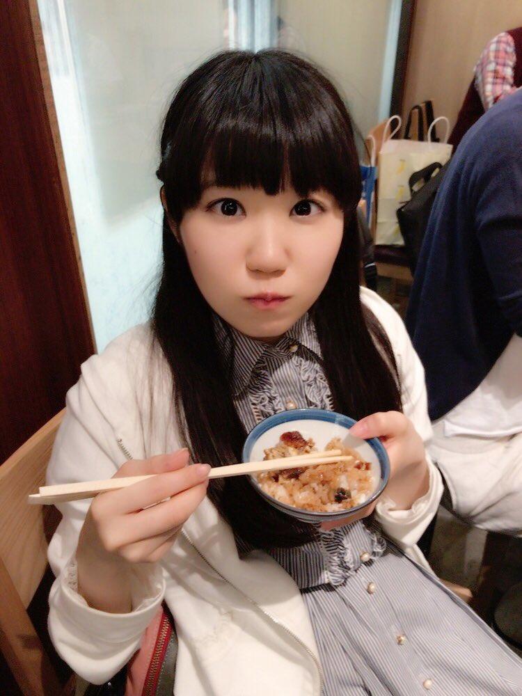 追記:本日のキレぼう。ひつまぶし、美味しくいただきました♪私だけでなく、スタッフさんもキレる美味しさでした!名古屋…ありがとう…。次は、神奈川のプラネタリウムイベント!星空の下で歌えるの楽しみです(*^^*)ぜひ遊びにきてくださいねー!!(東山奈央)#naobou pic.twitter.com/SNwcSCHvpE