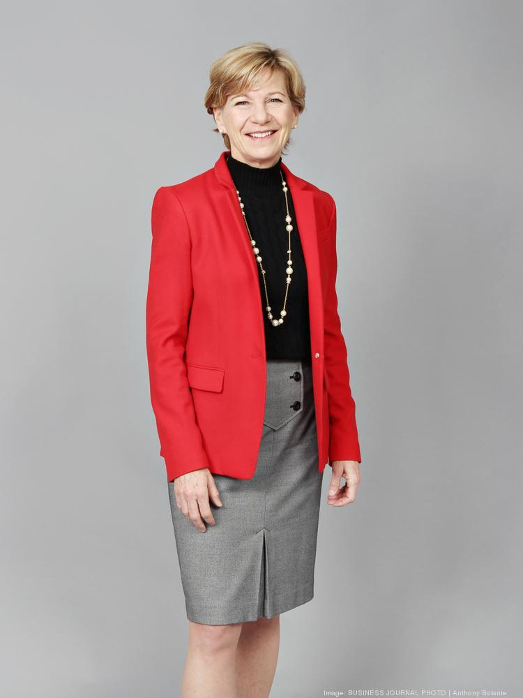 Top 50 #Philanthropy Leader @SueDHellmann on list for best speakers in America. She was selected by her peers.  http:// conta.cc/2sa6P4w  &nbsp;  <br>http://pic.twitter.com/r2hoWipmV3
