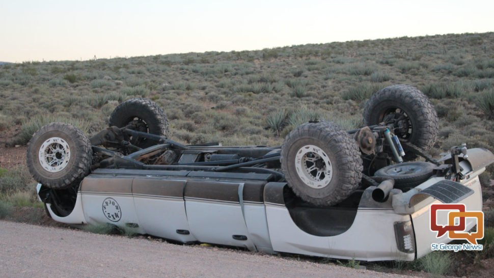 Truck rolls after fishtailing on dirt road. #StGeorge #SoUtah #Utah  https://www. stgeorgeutah.com/news/archive/2 017/05/28/jcw-truck-rolls-after-fishtailing-on-dirt-road/ &nbsp; … <br>http://pic.twitter.com/uWnsY2kXuh