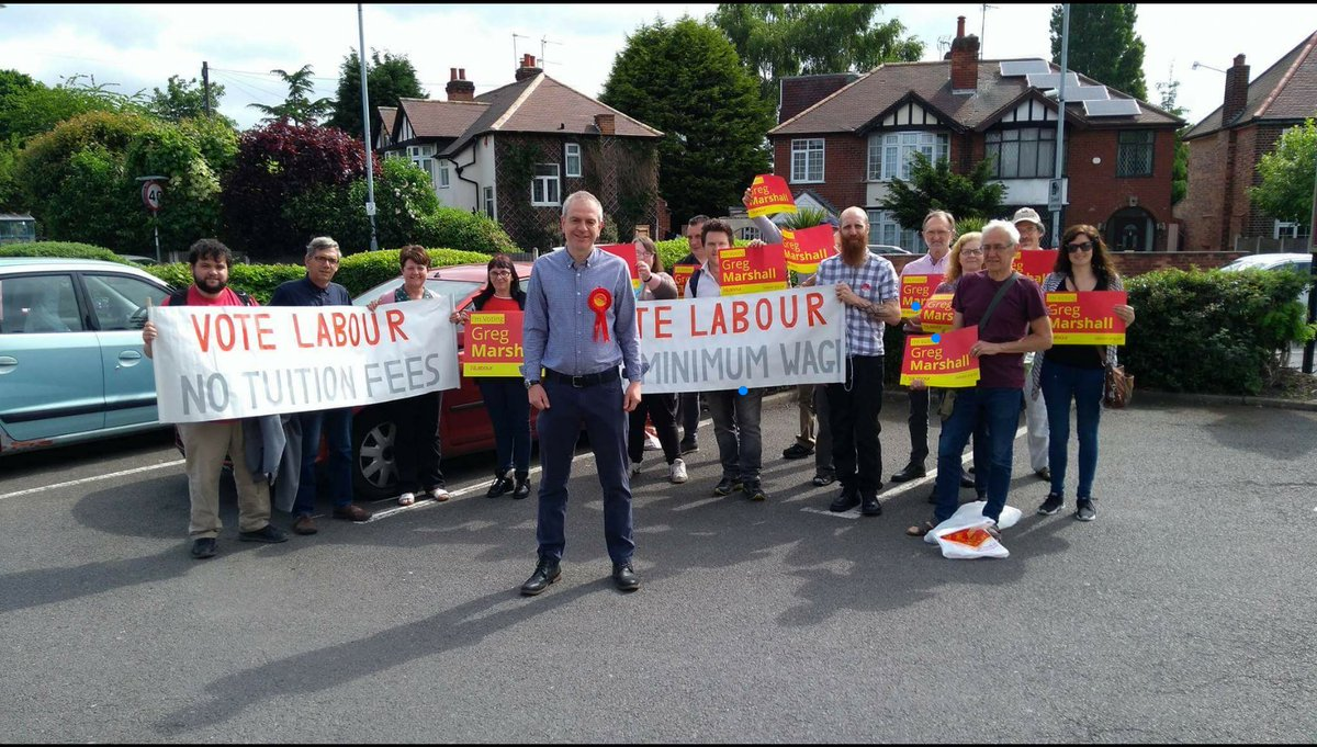 BIG team out on the #labourdoorstep in #Beeston North this morning - 35 #volunteers and hundreds of doors knocked on! #broxtowe #VoteLabour<br>http://pic.twitter.com/53EUKR0rAU