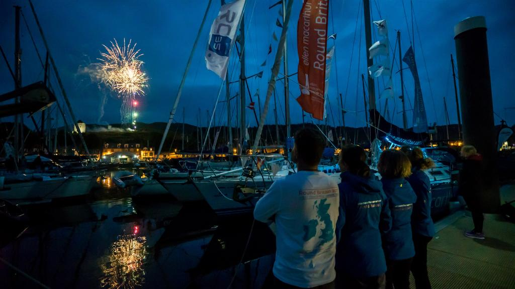 The #roundbritain2017 team enjoying spectacular fireworks last night @ScottishSeries at @tarbertharbour #tell9people #embracetherace