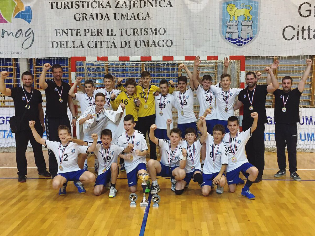 PPD Zagreb #Lions 2004 born (and younger) have won the Croatian Championship! #proud 😄🦁👏🏼 #rkzagreb #iznadsvihZagreb https://t.co/VCu6LCm6TP