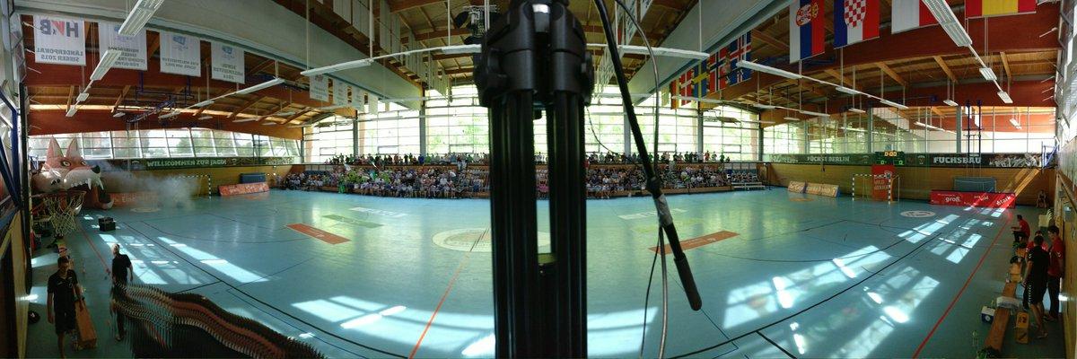 Geht jetzt auf unsere Homepage und schaut das Finale der Deutschen Meisterschaft live!  #unserRevier #Handball https://t.co/zfeUSFxMqO