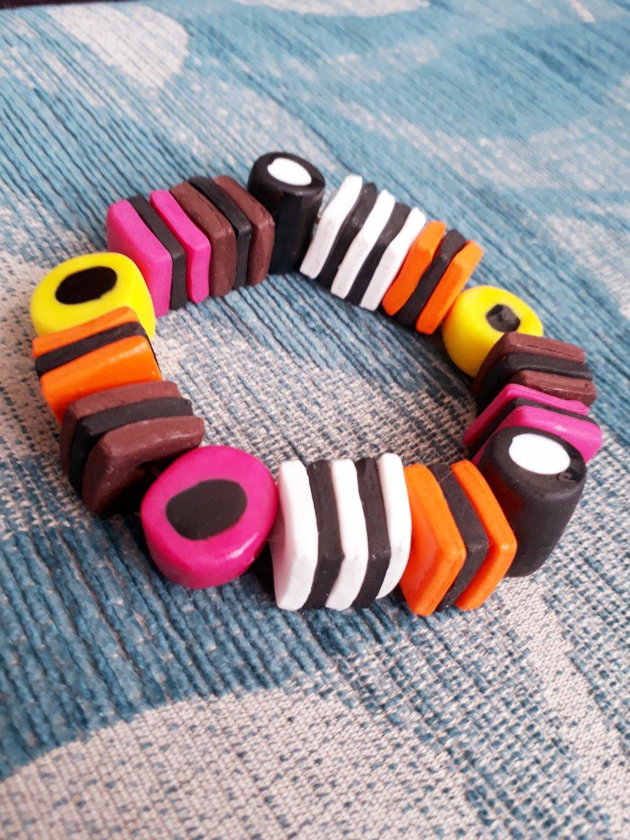 Making some of these tonight!  https://www. etsy.com/uk/listing/253 675578/liquorice-allsorts-bracelet?ref=shop_home_active_2 &nbsp; …  #CraftHour #handmade #etsy<br>http://pic.twitter.com/pqevQrkhoV