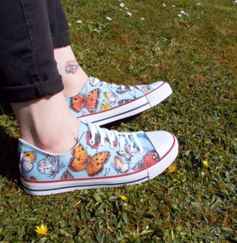 What would your dream shoes look like? I can create custom pairs from your own ideas. #crafthour #illustration #custom #shoes #butterflies<br>http://pic.twitter.com/Z6xIFEVs7a