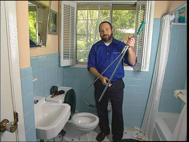With the right #tools, you can unclog a #toilet on your own!   http:// cpix.me/a/24944149  &nbsp;  <br>http://pic.twitter.com/ijxAr3IDp9