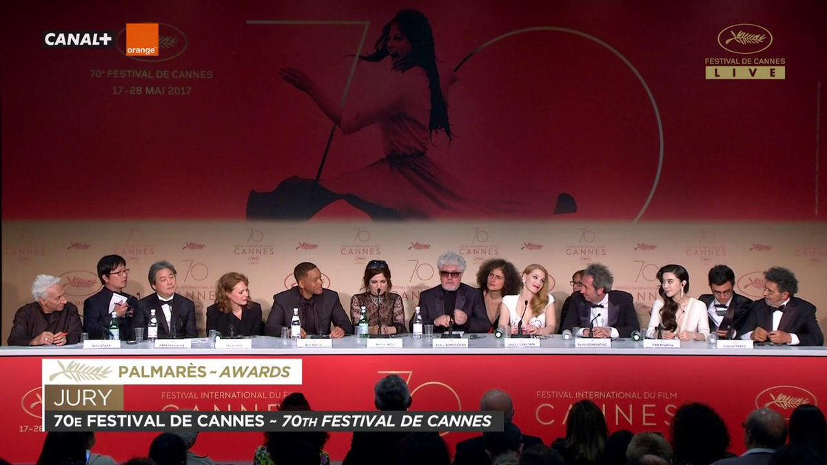 Pedro Almodóvar à propos de The Square, Palme d'or #Cannes2017 https:/...