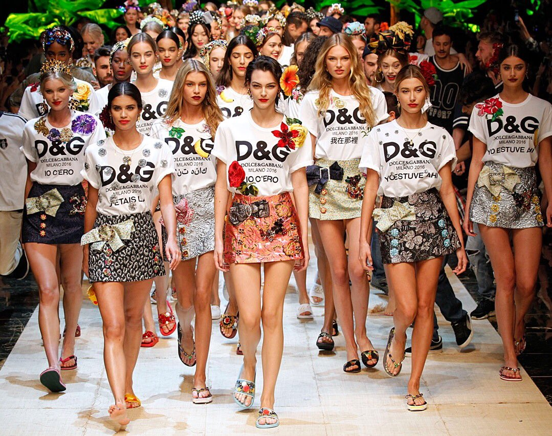 Dolce &amp; Gabanna released a new tshirt #collection by inspiring their #knockoff #tshirt #designs in Napoli. They named it #DGtherealfake.<br>http://pic.twitter.com/YVKtbWIsAO