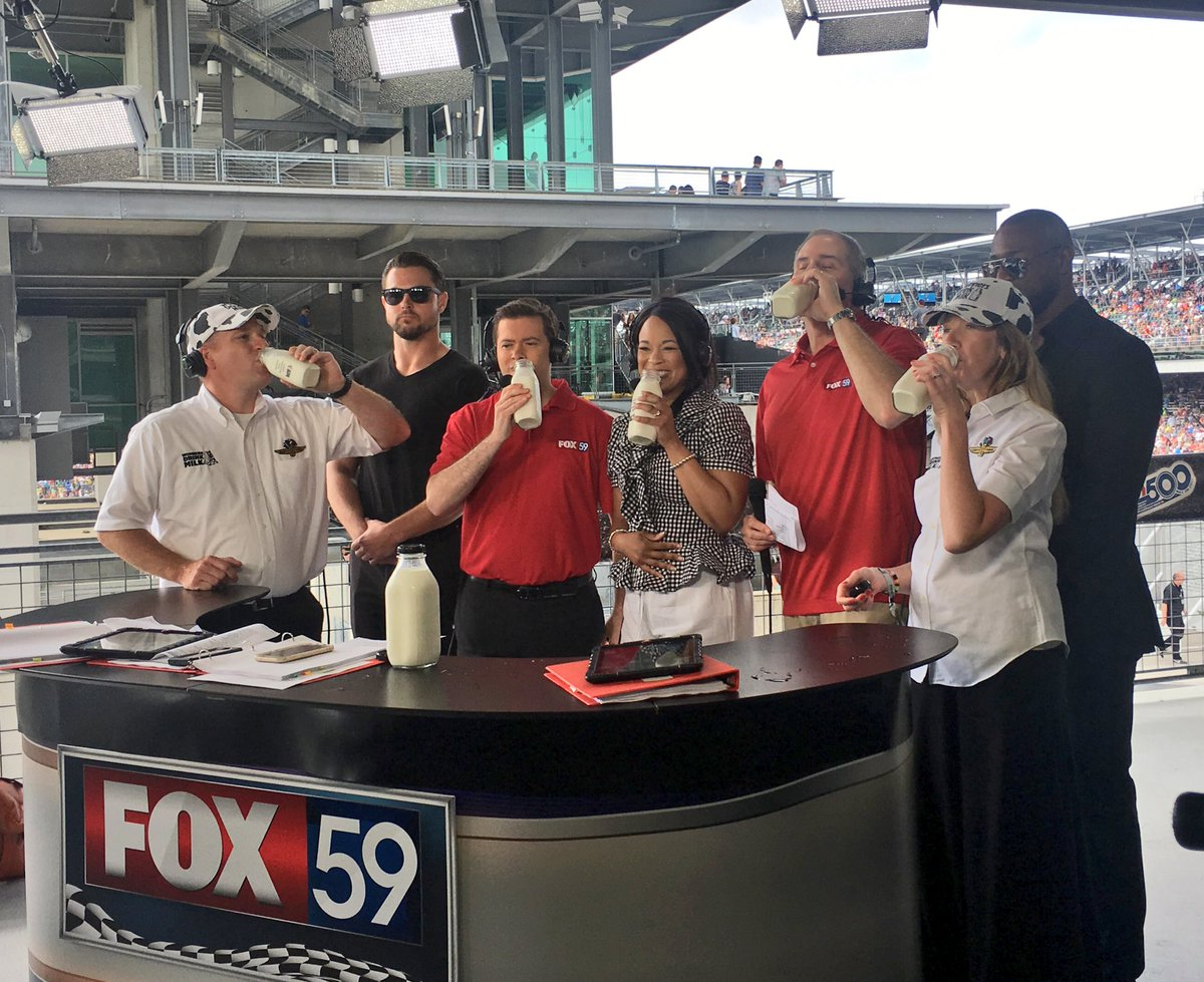 Our traditional milk toast with @FOX59 #WinnersDrinkMilk https://t.co/t4SpsUYIbJ