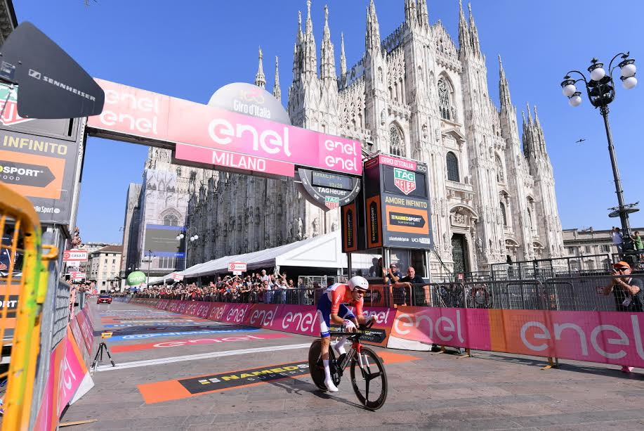 .@tom_dumoulin wins the #giro100! https://t.co/JqoWTc4FGm
