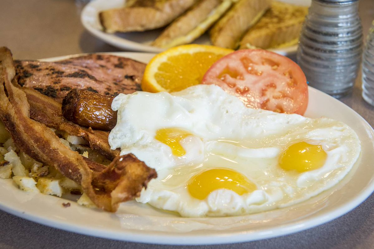Take a look inside one of #Toronto's best greasy spoons https://t.co/Q...