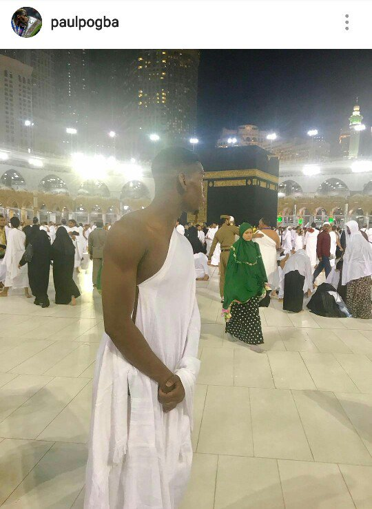 When you&#39;re at the holiest of places but you still manage to find some space and start looking for Zlatan..  #Pogba #MUFC<br>http://pic.twitter.com/H5hGGkC6Xs