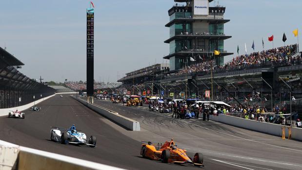 Indy500: Alonso rompe il motore Honda, che sfortuna...