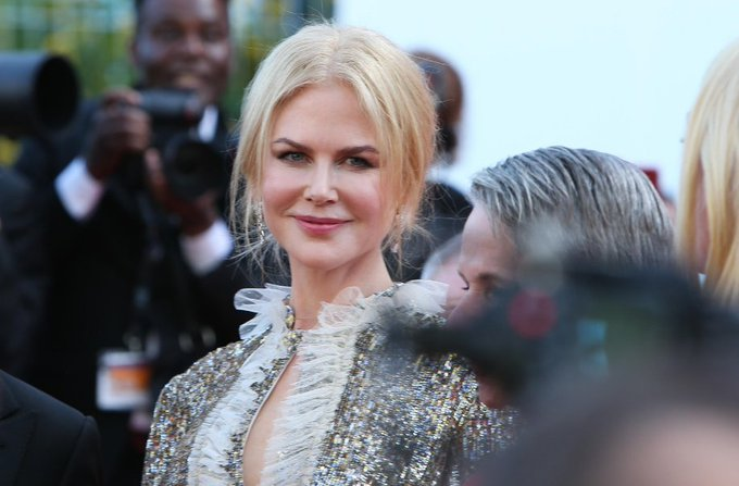 EN DIRECT - #Cannes2017 : Le prix du 70e anniversaire attribué à #NicoleKidman 👉 https://t.co/nzlva8f9wV