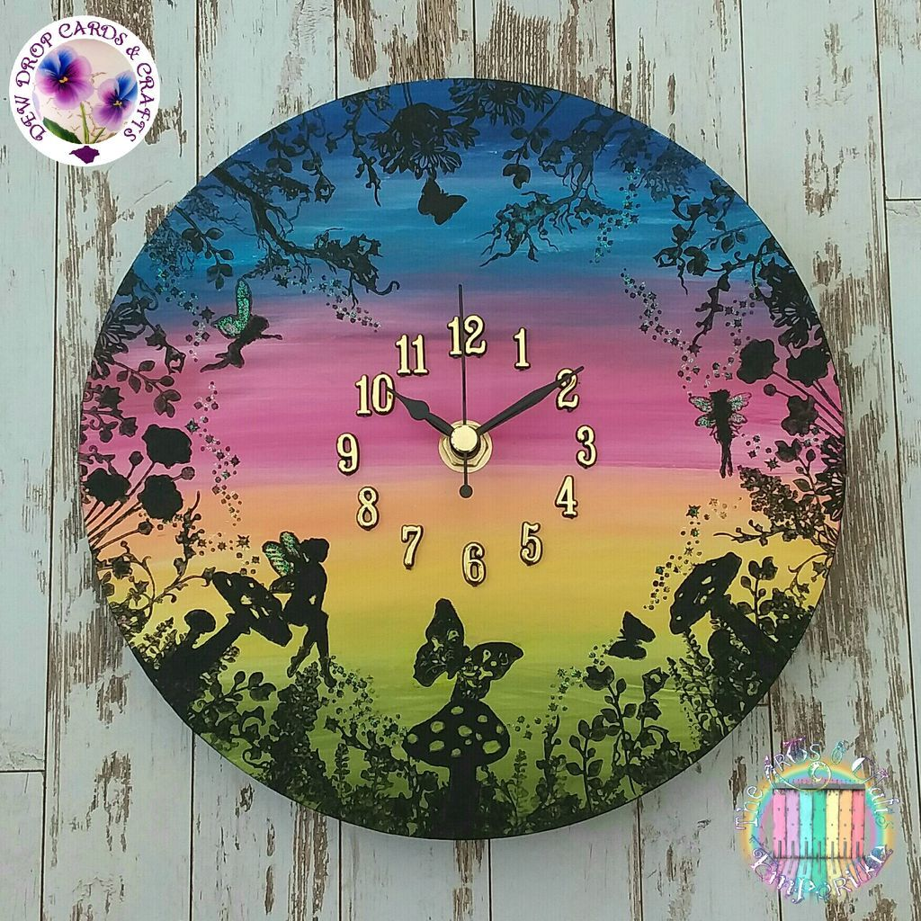 A fairy meeting on a #long #twilight evening  #crafthour #fairyclock #handmade Available next Sunday in our #rainbow event<br>http://pic.twitter.com/CfLPU7RkCu