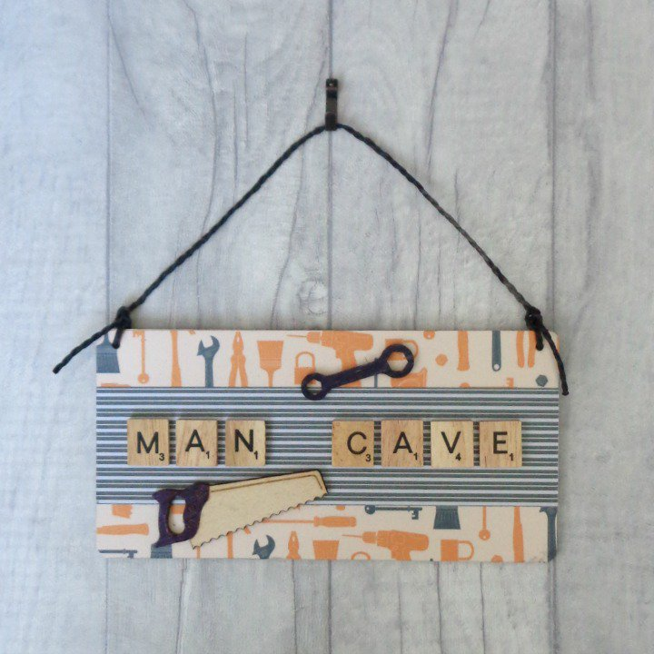 is #dad in his #mancave for the #weekend? A sign for #FathersDay?  http://www. etsy.com/uk/listing/488 446707/man-cave-sign-gift-for-dad-fathers-day &nbsp; …   #CraftHour #OnlineCraft #mnukteam #giftfordad<br>http://pic.twitter.com/dalyFDQBAS