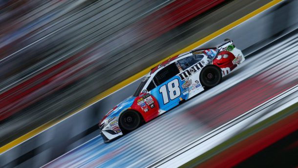 Kyle Busch leads #CocaCola600 after first stage https://t.co/4GHcSaXXz...