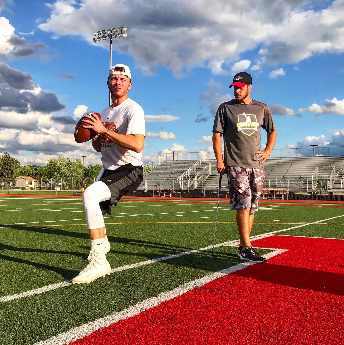 Wouldn&#39;t want to end the day any other way  #TID #QB #WR #Football <br>http://pic.twitter.com/MleaENl7zi &ndash; à Mundelein High School