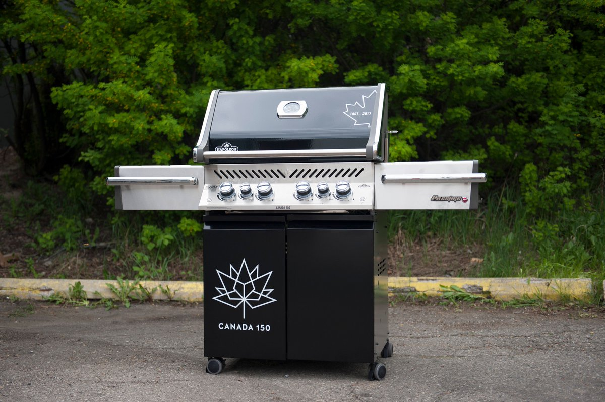 Special edition #Canada150  of the @gourmetgrills #barbecue.  VERY limited supply so, if you want one..... <br>http://pic.twitter.com/uaFrmmp9lg