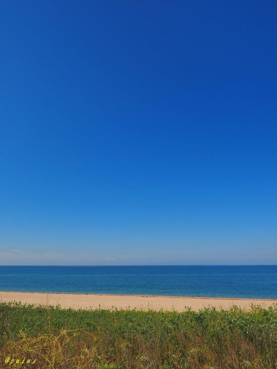 抜けるような青空。虹ヶ浜海水浴場。 https://t.co/qByLU5w0Z6