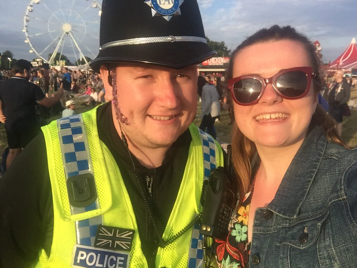 Huge shoutout to @Humberbeat, #volunteers, security &amp; stewards at #bigweekend , you made it safe and fun! Had the best time! @BBCR1 #Hull2017<br>http://pic.twitter.com/XUezU5WkET