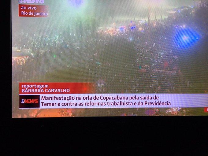 Gostaria de ver Kamel defender de novo q 'jornalismo da Globo não tem lado'. Olha como noticiaram as Diretas no Rio  https://t.co/KHNb4k3gP2