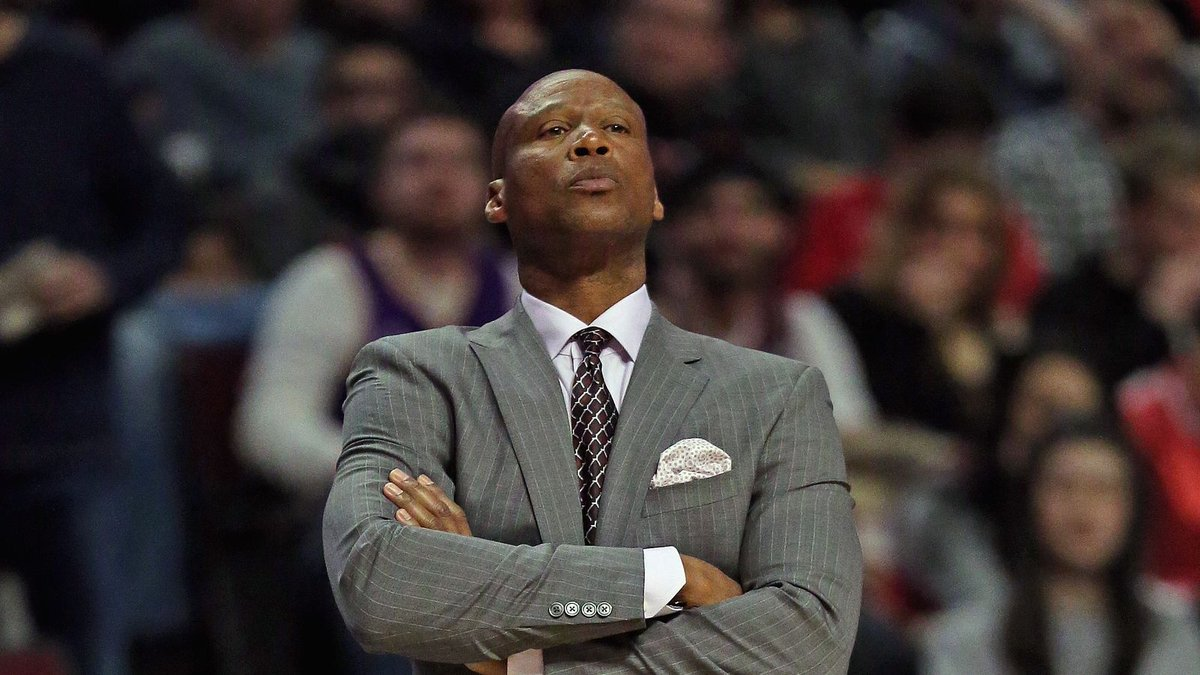 Byron Scott thinks Lakers are taking risk not trading for Paul George...