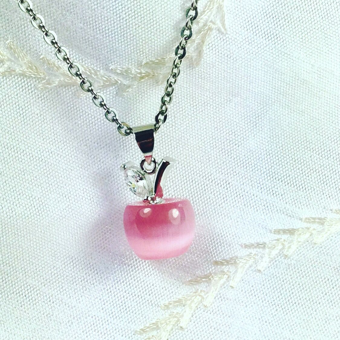 Cat&#39;s Eye #Apple #Necklace w/ #Crystal Leaf #Handmade #NorthCoastCottage #Jewelry  http:// buff.ly/2qndMTk  &nbsp;   #pink #MothersDay #shopping #gift<br>http://pic.twitter.com/lKxzMgKwZG
