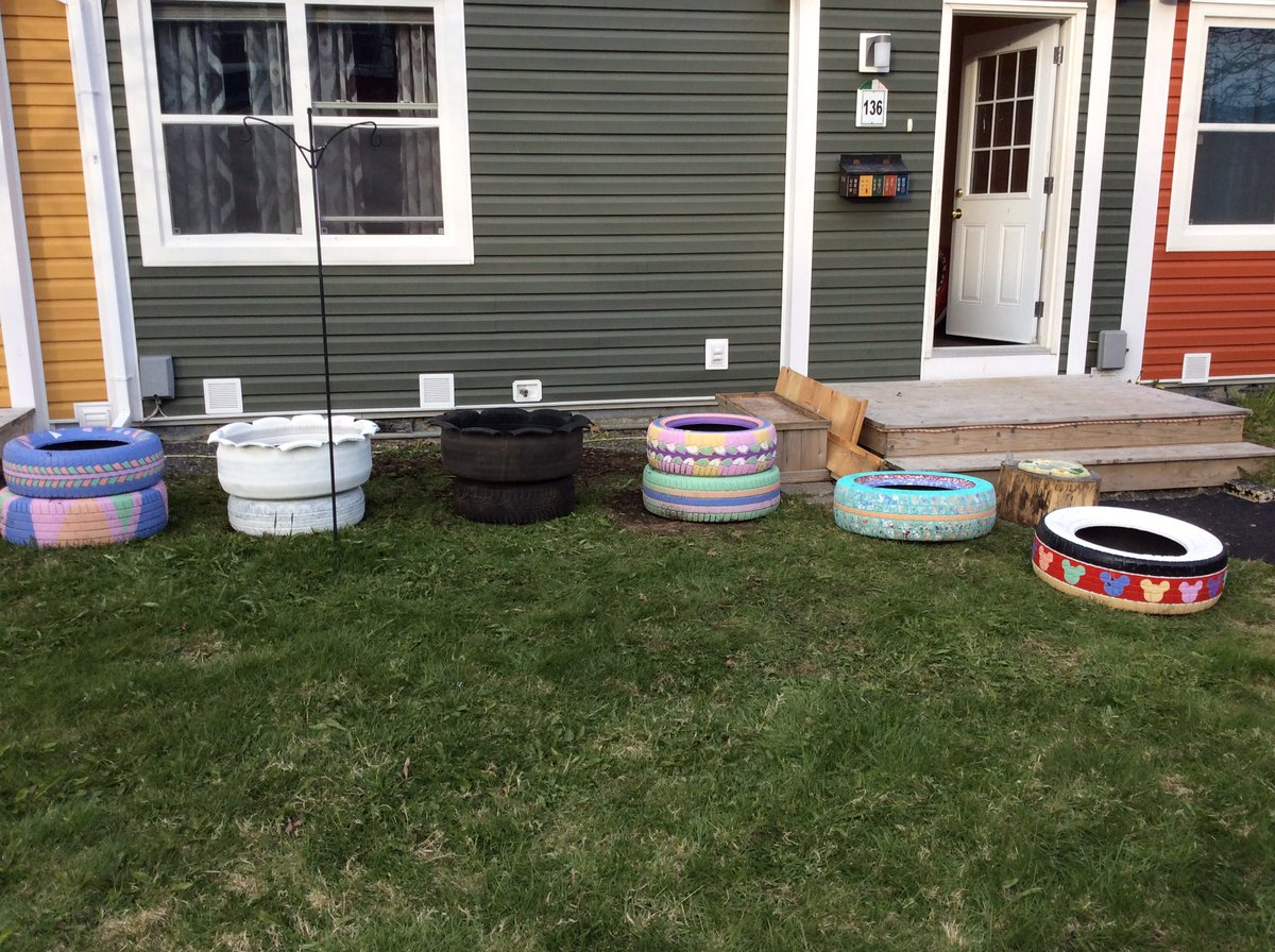 My garden is coming along.. just need some nice weather in #yyt not RDF.. #recycledtires #planters #flowers #sunflowers #daisies #gardening<br>http://pic.twitter.com/Jh3EYr2lH2