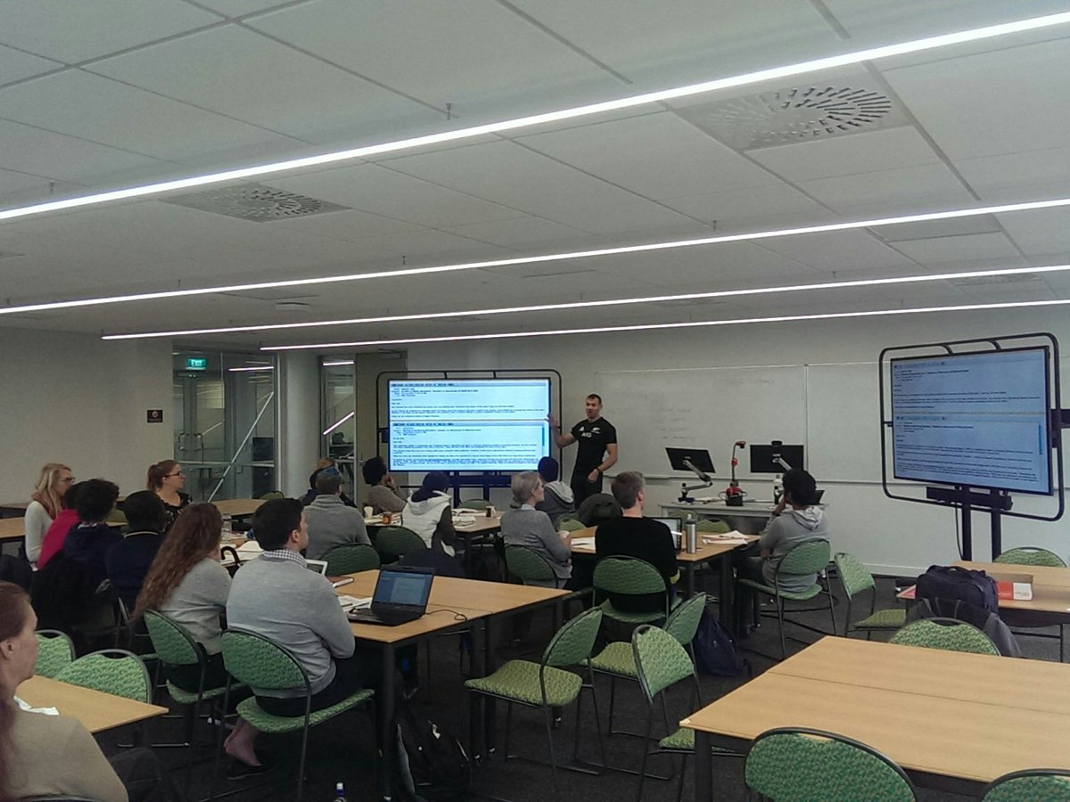 Enjoying Publishing and Peer Review workshop from @NHopUTS @VicUniWgtn #PhD #professionaldevelopment<br>http://pic.twitter.com/FMdoE9Td6V
