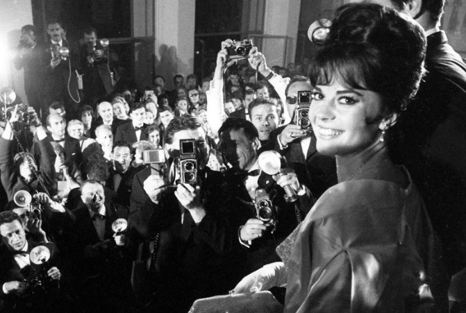 From Natalie Wood to Meryl Streep, #Cannes Film Festival Photos Through the Years: bit.ly/2r69Q6O