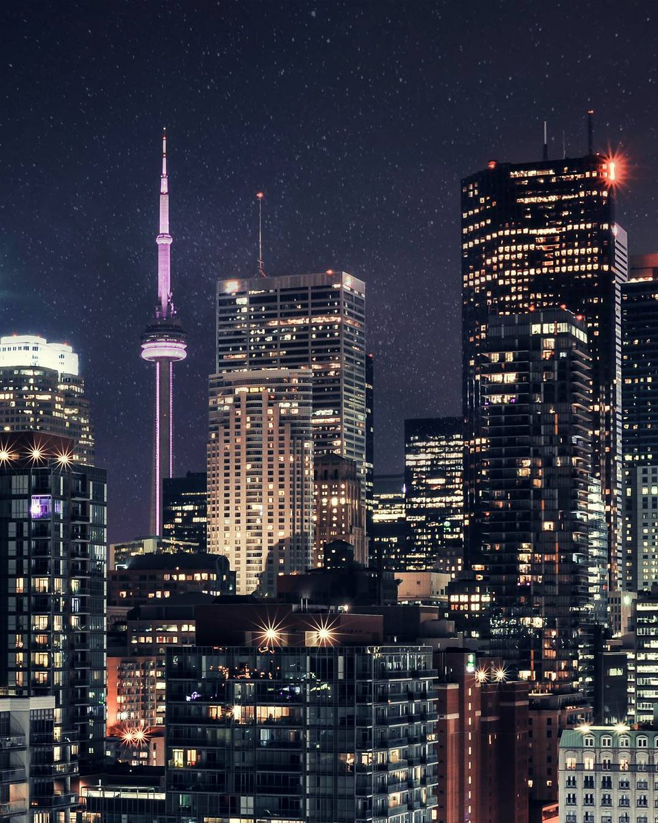 Goodnight, #Toronto - Photo by farstox https://t.co/c27D1sWom1 https:/...