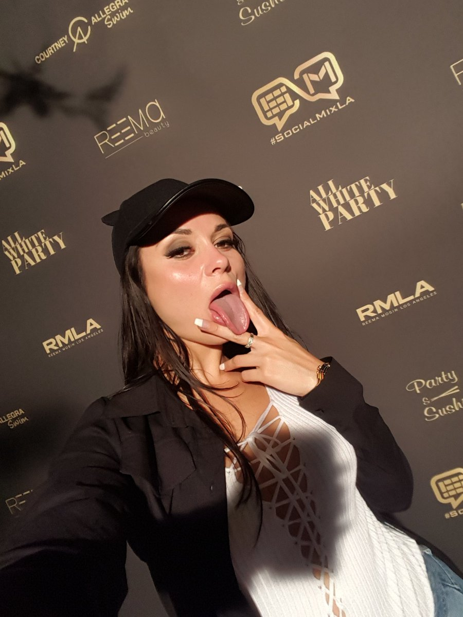 I wanna lick you,babe....mmm #CR #Crystalrush #lookatme #usa los_Angeles<br>http://pic.twitter.com/ifmM0LDVgn