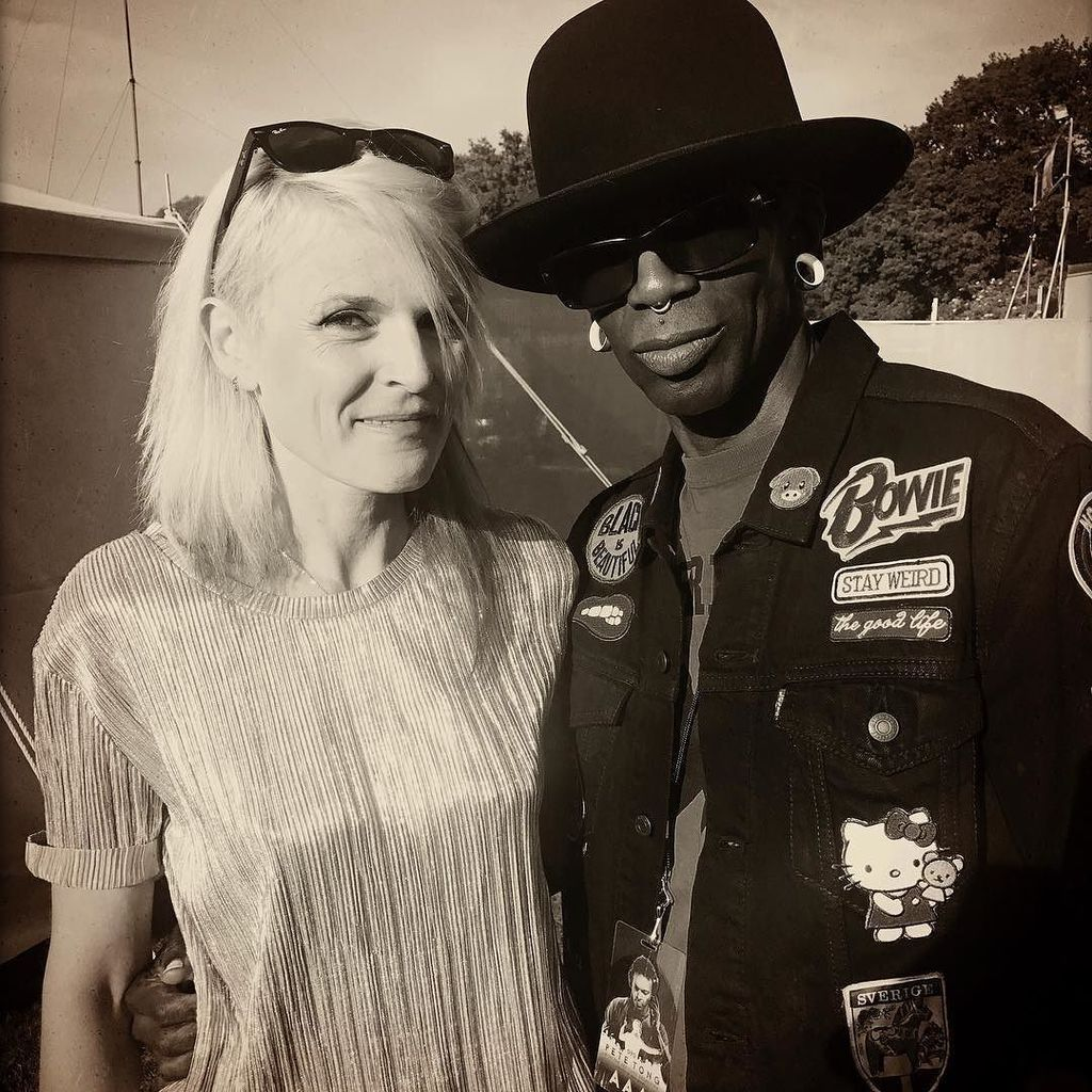 Sister Bliss of Faithless (Insomnia) &amp; i @ Common People Southampton...i cAnt get No Sleep!!! #thesisterbliss #com…  http:// ift.tt/2rdsOua  &nbsp;  <br>http://pic.twitter.com/Ki2be8XCq8