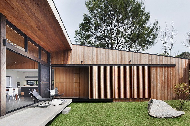 Hover House by Bower Architecture |  http://www. homeadore.com/2014/02/17/hov er-house-bower-architecture/ &nbsp; …  Please RT #architecture #interiordesign <br>http://pic.twitter.com/NwTw3Fblvr