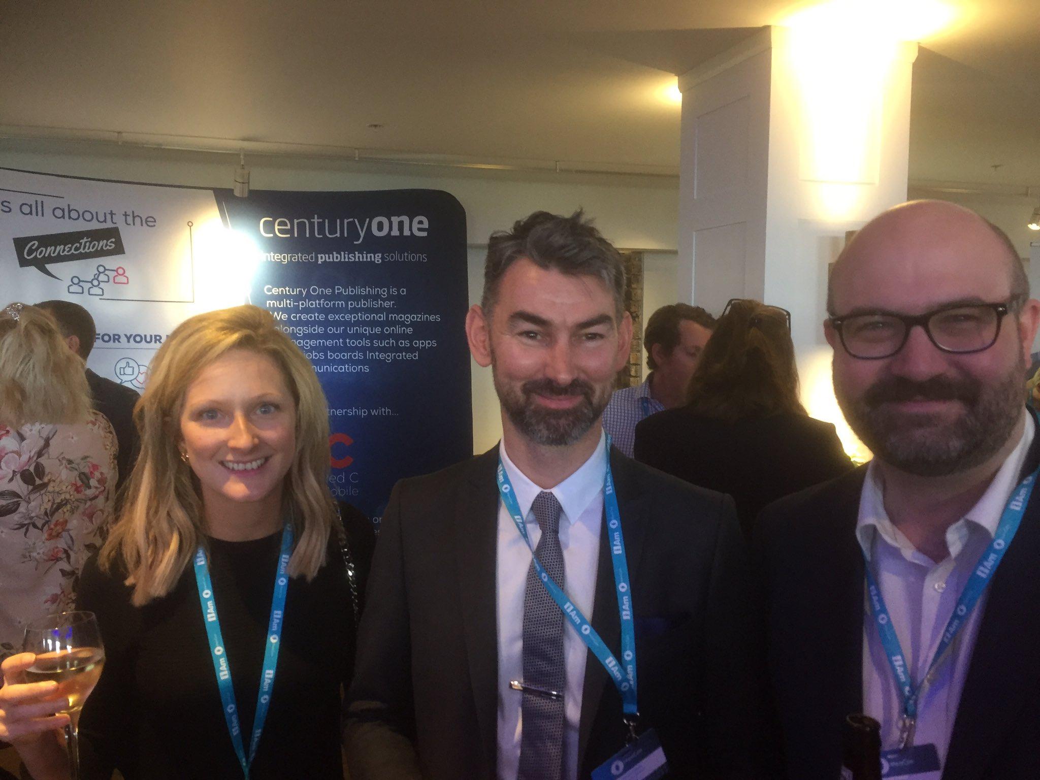 Team @CIPR_UK @ThinkPublishing #Influence magazine #MemCom17 https://t.co/jkEHdv3U8J