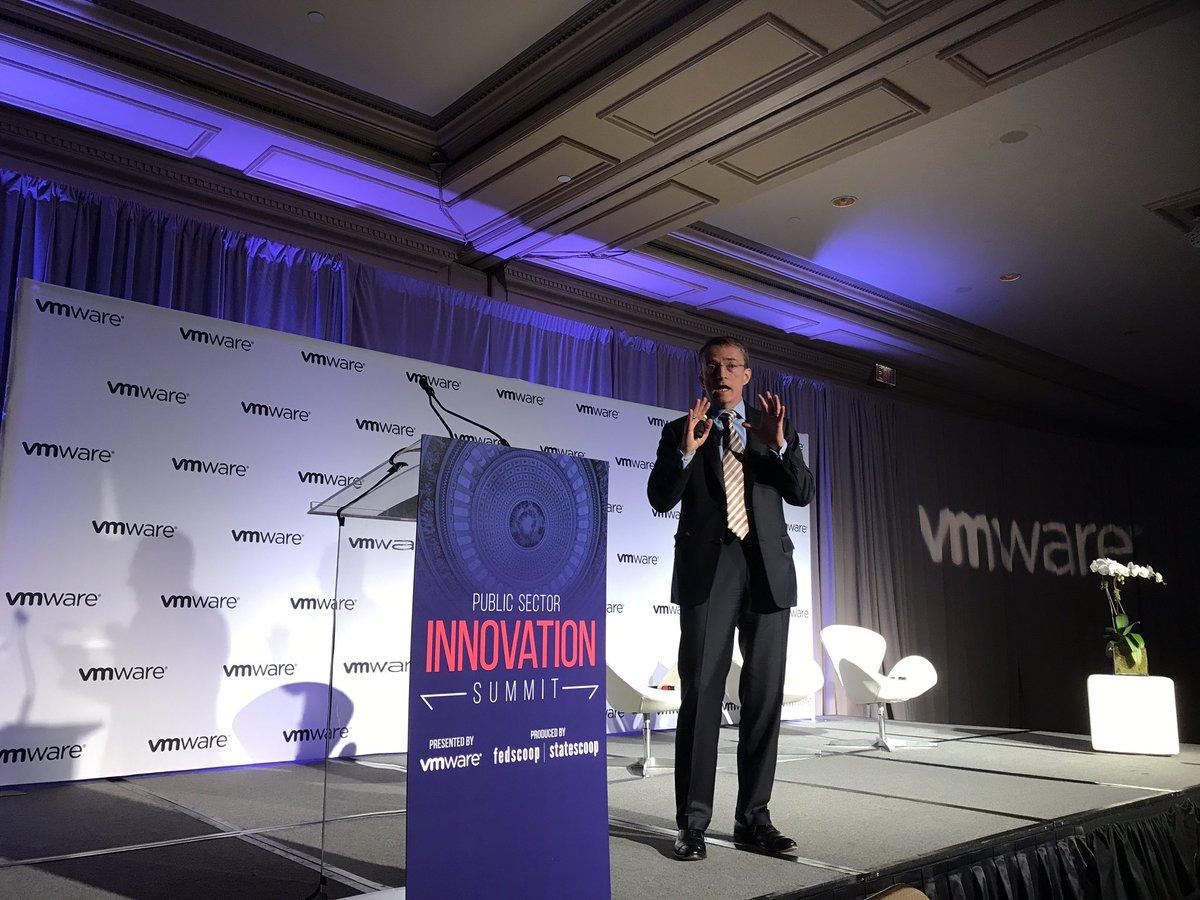 @PGelsinger rocking the stage and kicking off #VMwareGovSummit!! https://t.co/8i3ih54e5m