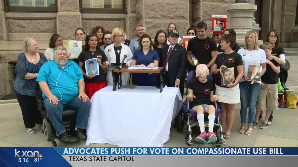 Group Gathers Texas State Capitol