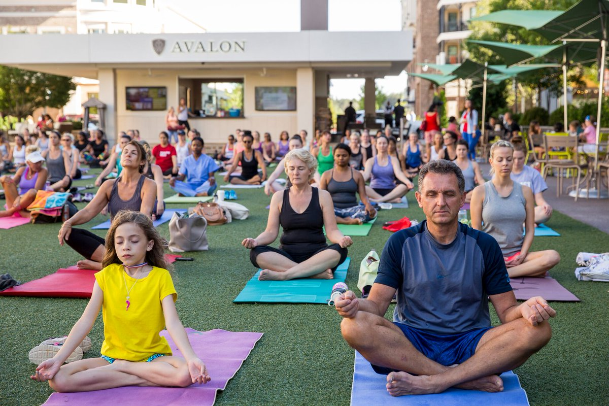 Grab your yoga mat! FREE yoga classes start today #AtlantaAlive  http:// on.11alive.com/2qQEu6B  &nbsp;   @AvalonInsider @AtlanticStation @ColonySquareATL<br>http://pic.twitter.com/auNhLWmNqb