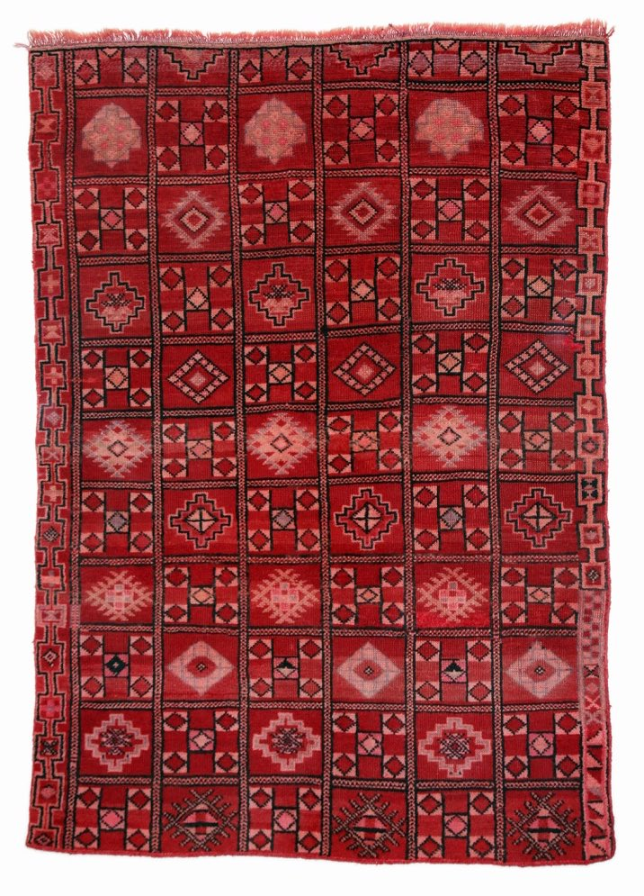 Roberta is a #vintage piece from the #Zemmour tribe. This Madame is 30+ years old and makes a dramatic area rug or #tapestry. #myoumrugs<br>http://pic.twitter.com/nMfnuylkKU