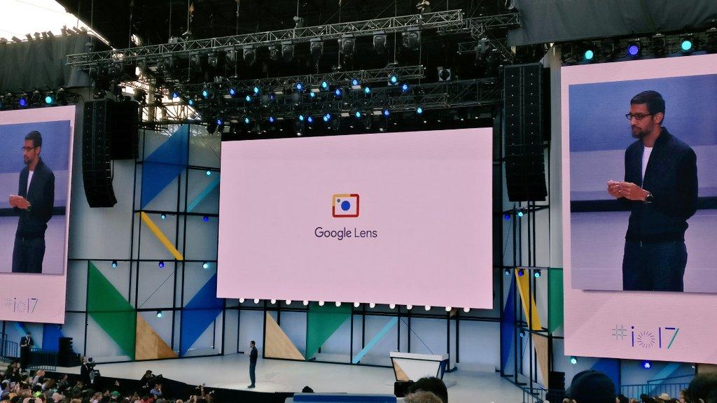 Google Lens, el primer anuncio de @sundarpichai en #IO17